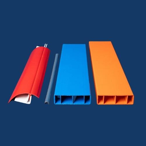 PSI-Extrusion-Accueil-carre-profile-1-PSI-Extrusion-extrusion-profile-plastique-3
